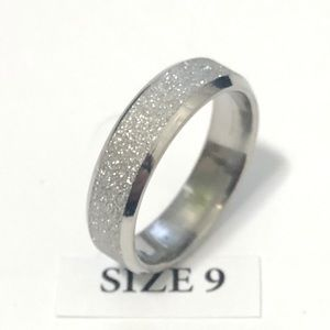 Jewelry - Frosted Silver Tone Ring, Size 9